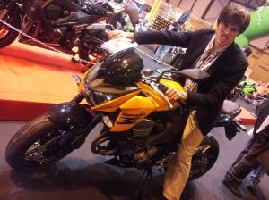 Con RRRRABIAA!!!! a exprimir ese tetra maravilloso de 800cc!!!