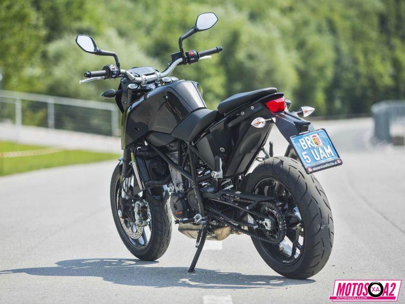 nueva ktm duke 690 2016 con ganas de moto de carreras motos para el a2. Black Bedroom Furniture Sets. Home Design Ideas